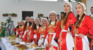 Tatlısu'da Ot Festivali'nden renkli kareler