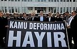 Kamuda örgütlü 12 sendika Başbakanlık önünde basın açıklaması yaptı
