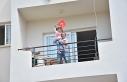 Girne Belediyesi halkı 23 Nisan'da balkonlarda...