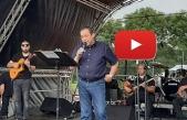Serdar Denktaş Londra'da Festivalde sahneye çıktı