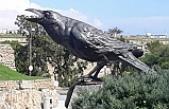 Mağusa'nın sembolü Karga Heykeli törenle açıldı