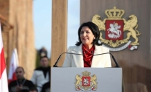 Gürcistan'da ilk kadın cumhurbaşkanı yemin ederek göreve başladı