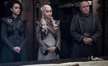 Game Of Thrones'da güldüren hata! Masanın üstünde bardak unutuldu