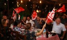 Keyf-i Sefa'da Hüsnü Şenlendirici ve Atakan Akdaş ile Cumhuriyet Coşkusu