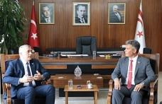 Amcaoğlu, Sivil Savunma Teşkilatı Başkanı Necmi Karakoç'u kabul ederek, bir süre görüştü