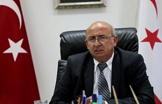 """""""BAŞ ÖRTÜLÜ DİPLOMA FOTOĞRAFI"""" TARTIŞMALARI"""