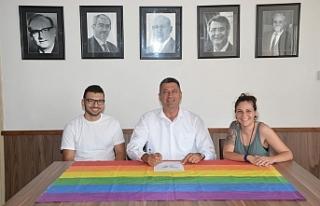 LBTİ+ DOSTU BELEDİYECİLİK PROTOKOLÜ'NÜ ADALIER...