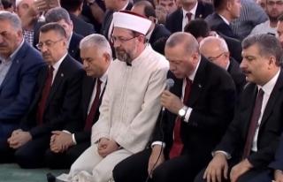 CUMHURBAŞKANI ERDOĞAN, ŞEHİTLER İÇİN KUR'AN-I...