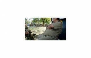 HİNDİSTAN'DA OBEZ POLİSLERE ZAYIFLAMA ŞARTI