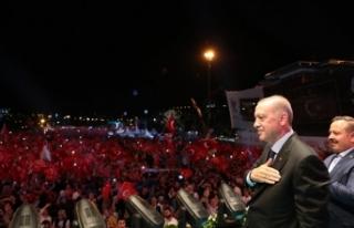 İSTANBUL'DA 15 TEMMUZ DEMOKRASİ VE MİLLİ...