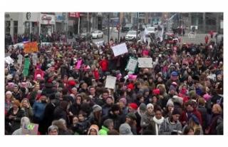 KANADA'DA İSLAMOFOBİ PROTESTOSU