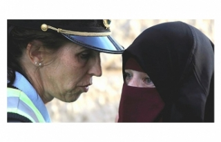 DANİMARKA'DA PEÇELİ KADINLARA HAPİS CEZASI GÜNDEMDE