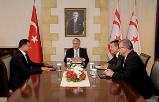 CUMHURBAŞKANI AKINCI MECLİSTEKİ MUHALEFET PARTİLERİNİN...