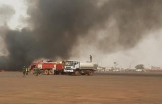 GÜNEY SUDAN'DA YOLCU UÇAĞI DÜŞTÜ... 19...