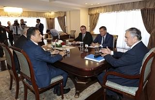 CUMHURBAŞKANI AKINCI, MECLİS'TE TEMSİL EDİLEN...