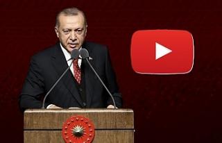 Atatürk'ü Anma Programı'nda katılımcılara...