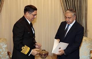 Cumhurbaşkanı Akıncı, Oramiral Özbal'ı kabul...