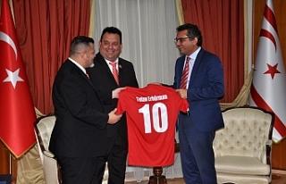Erhürman, Londra Türk Toplumu Futbol Federasyonu...