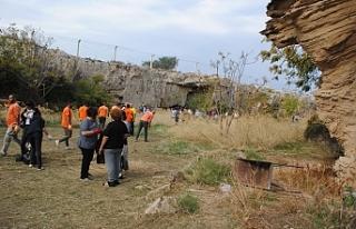 Kirsokava Arkeolojik Sit Alanı'nda temizlik kampanyası