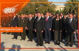 Kurucu Cumhurbaşkanı Denktaş, düzenlenen törenle...