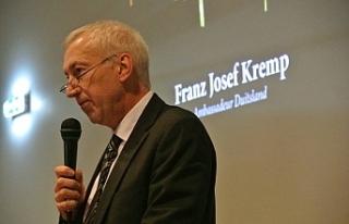 Özersay Almanya Büyükelçisi ile görüştü
