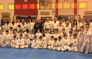 Salih Miroğlu taekwondo karate budo müsabakaları...