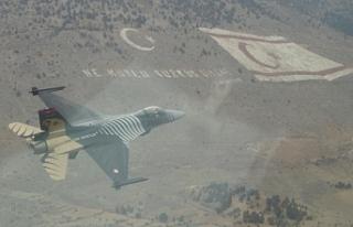 Solo Türk KKTC semalarında