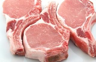 Alsancak'ta veteriner kontrolü olmadan domuz kesimi...
