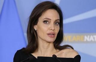Angelina Jolie siyasete atılabilir