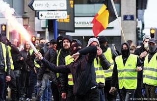 """Brüksel'de """"sarı yelekliler"""" protesto düzenledi"""
