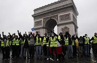Fransa'da protesto sürüyor