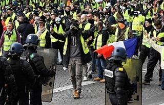 Fransa'da Sarı Yelekler'e karşı polis...