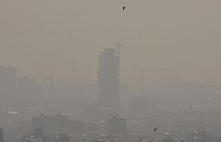"""İran'da hava kirliliğine karşı """"Otomobilsiz..."""