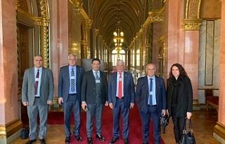 Macaristan Parlementosunda temaslar yaptılar