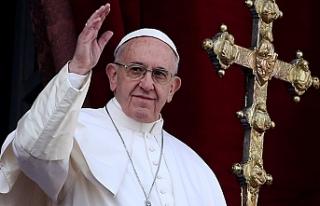 """Papa'dan siyasetçilere kınama: """"Her şey..."""
