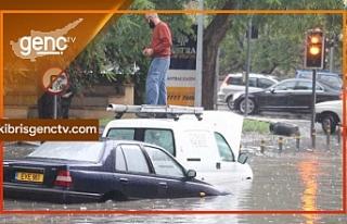Şiddetli yağmur Güney Kıbrıs'ı da olumsuz...