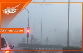 Sürücüler dikkat! Yoğun sis yüzünden görüş...