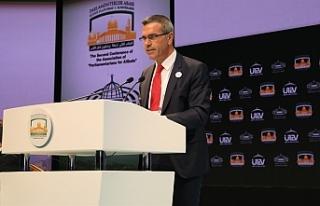 Uluçay, İstanbul'da Kudüs Platformu Konferansına...