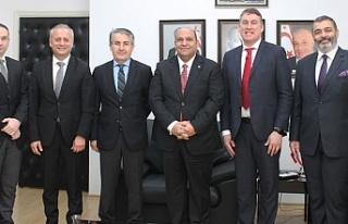 Atakan, Vodafone Türkiye CEO'su ile görüştü