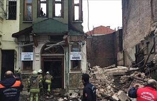 Binanın enkazından iki kişinin cesedi çıkarıldı