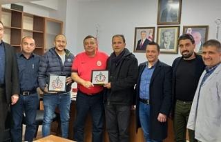 Dizdarlı, bağışta bulunan KKTC Fenerbahçeliler...