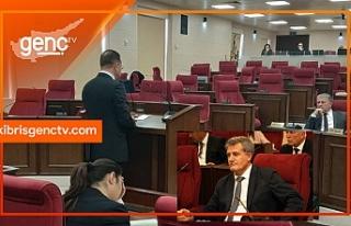 Erhan Arıklı, Meclis'teki boş koltukları...