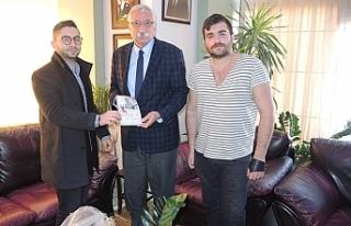 Girne Belediye Başkanı Güngördü, genç yazarlar...