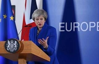 """İngiltere'de hükümete """"anlaşmasız Brexit""""..."""