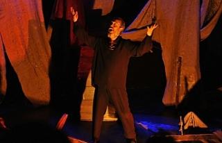 """Kuvayi Milliye Destanı"""" isimli tiyatro oyunu, sahnelendi"""