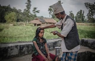 Nepal'de regl dönemindeki kadınlara yönelik...