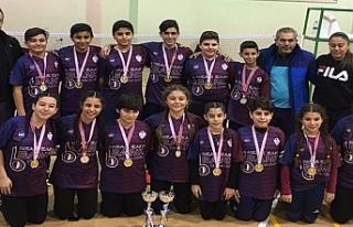 Ortaokullararası Yıldızlar Badminton Şampiyonası...