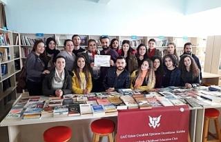 'Topladığımız kitapları Erenköy Lisesi'ne...