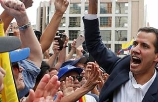 Trump, Venezulela'da muhalif lideri geçici Başkan...