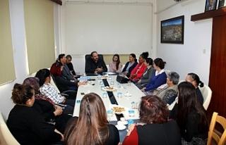 Yapımı devam eden Kültür Evi ziyaret edildi
